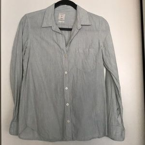 Gap fitted boyfriend button up shirt